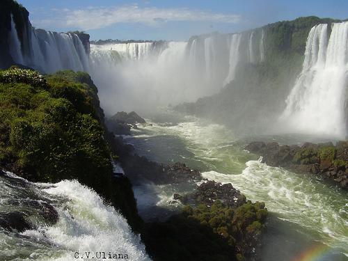 Rio Iguaçu, en Argentine est au Brésil